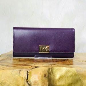 Michael Kors Mindy Carryall Wallet